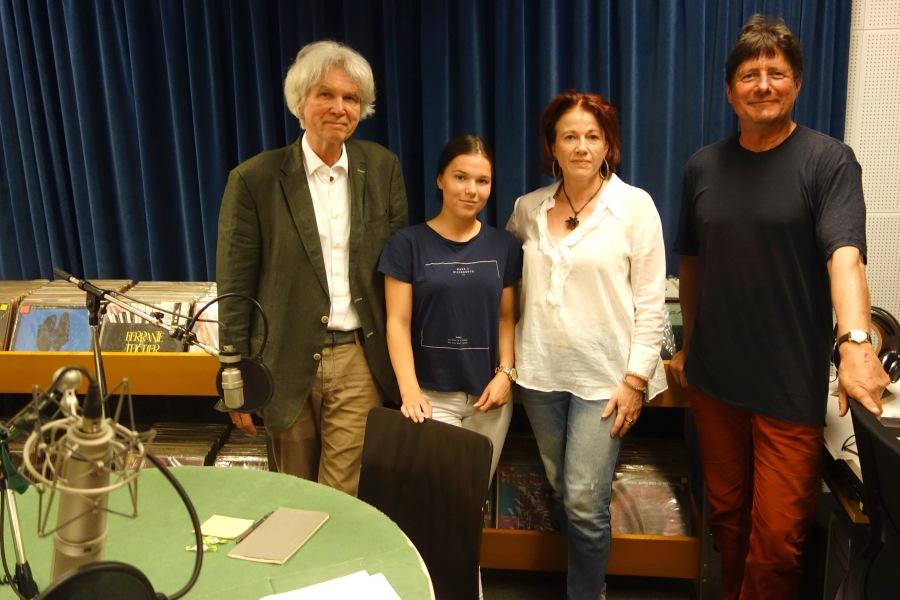 Erhard Mich, Mathilda Nussbaum, Vera Schick und Moderator Ulrich Hägele im Micro-Europa-Studio